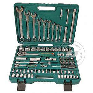 Наборы инструментов в чемодане